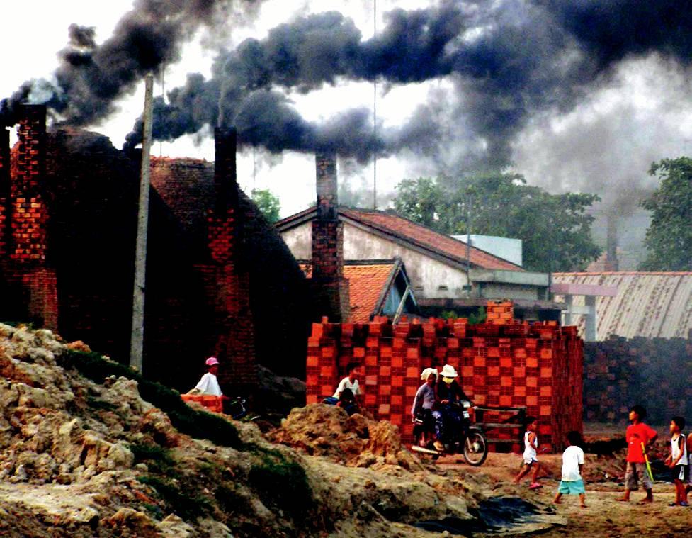 Khắc phục ô nhiễm & cải thiện môi trường đối với 47 làng nghề đang bị ô nhiễm đặc biệt nghiêm trọng.